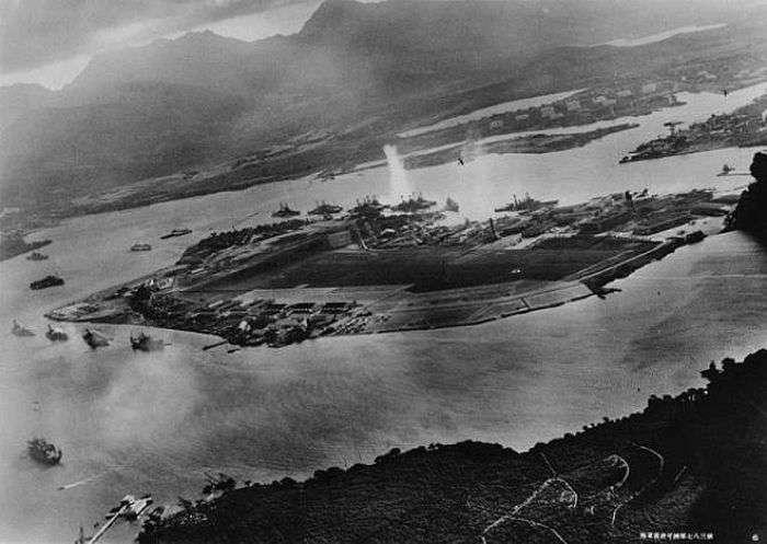 Місця великих битв Другої світової війни тоді і зараз (18 фото)