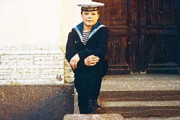 Зірки в дитинстві і зараз (32 фото)