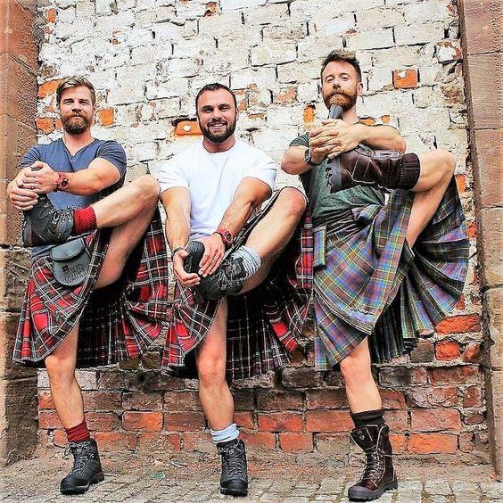 Что не так в фотографиях мужчин в килтах