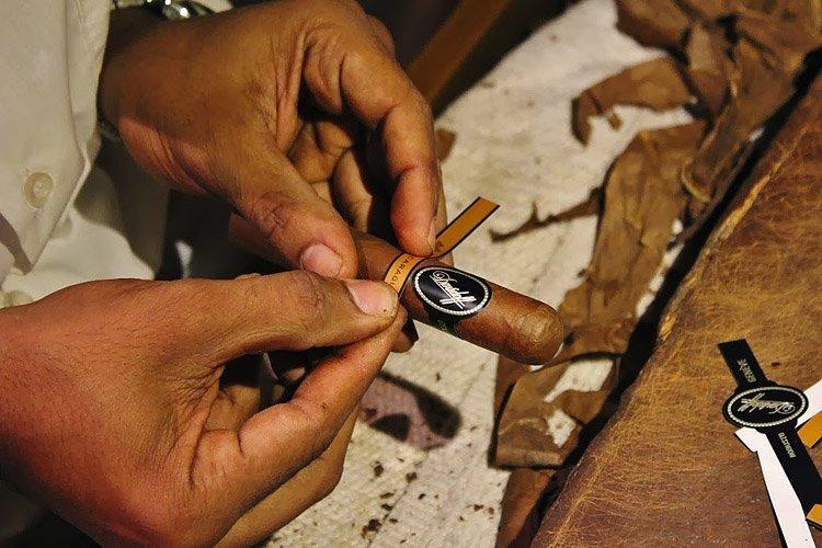 Как делают сигары в домашних условиях? Самоделки