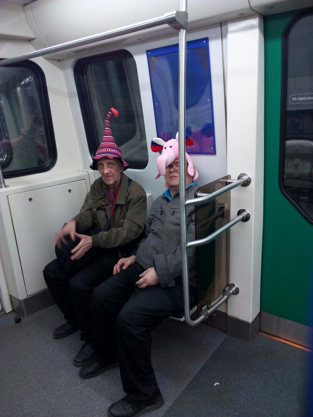 Смешные чудики в метро. Приколы