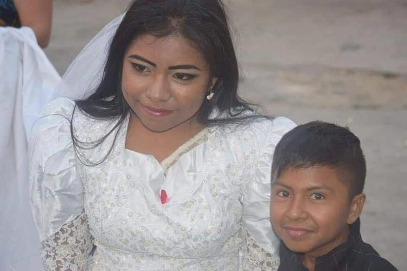 Свадьба «маленького мальчика» и взрослой барышни — не то, чем кажется на первый взгляд   Интересное