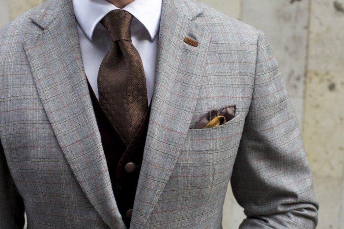 Для чего на лацкане пиджака прорезь и сколько пуговиц нужно застегивать на самом деле Интересное
