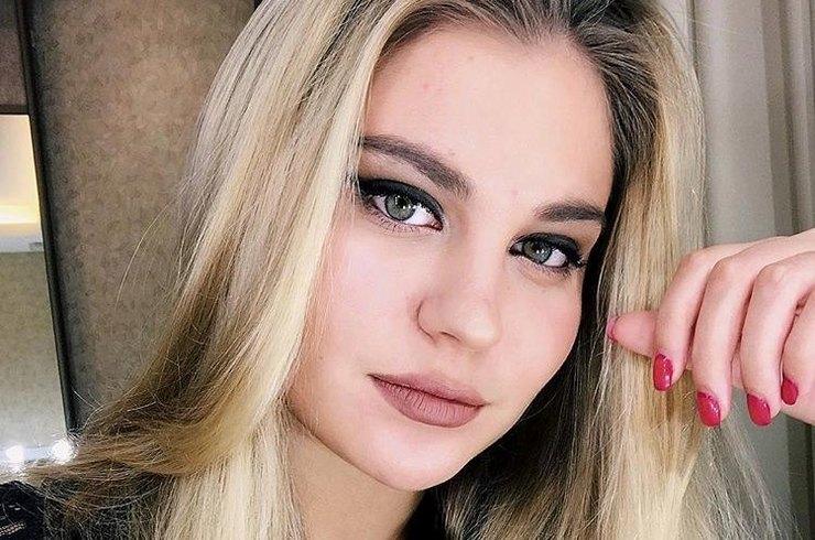 20-летняя внучка Михаила Боярского превратилась в красотку с пышными формами красота,МСихаил Боярский,наши звезды,новости,развлечение,шоу,шоубиz,шоубиз