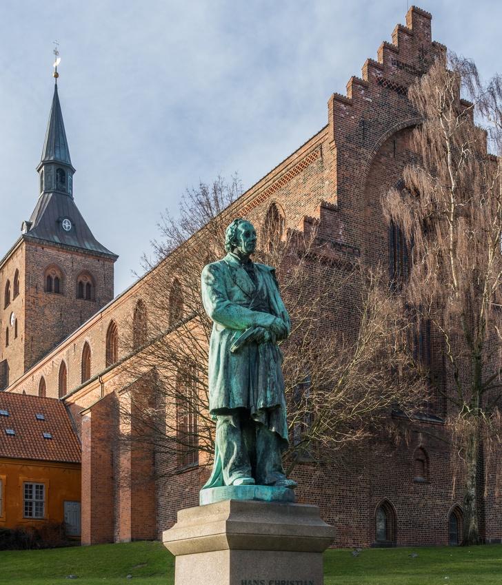 История сказочника Ханса Кристиана Андерсена, который боялся детей и повсюду возил с собой веревку доказательства,загадки,история,спорные вопросы