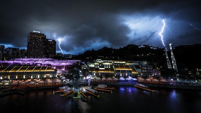 Восхитительные городские пейзажи Дубая и Сингапура во время грозы пейзажи,Путешествия,фото