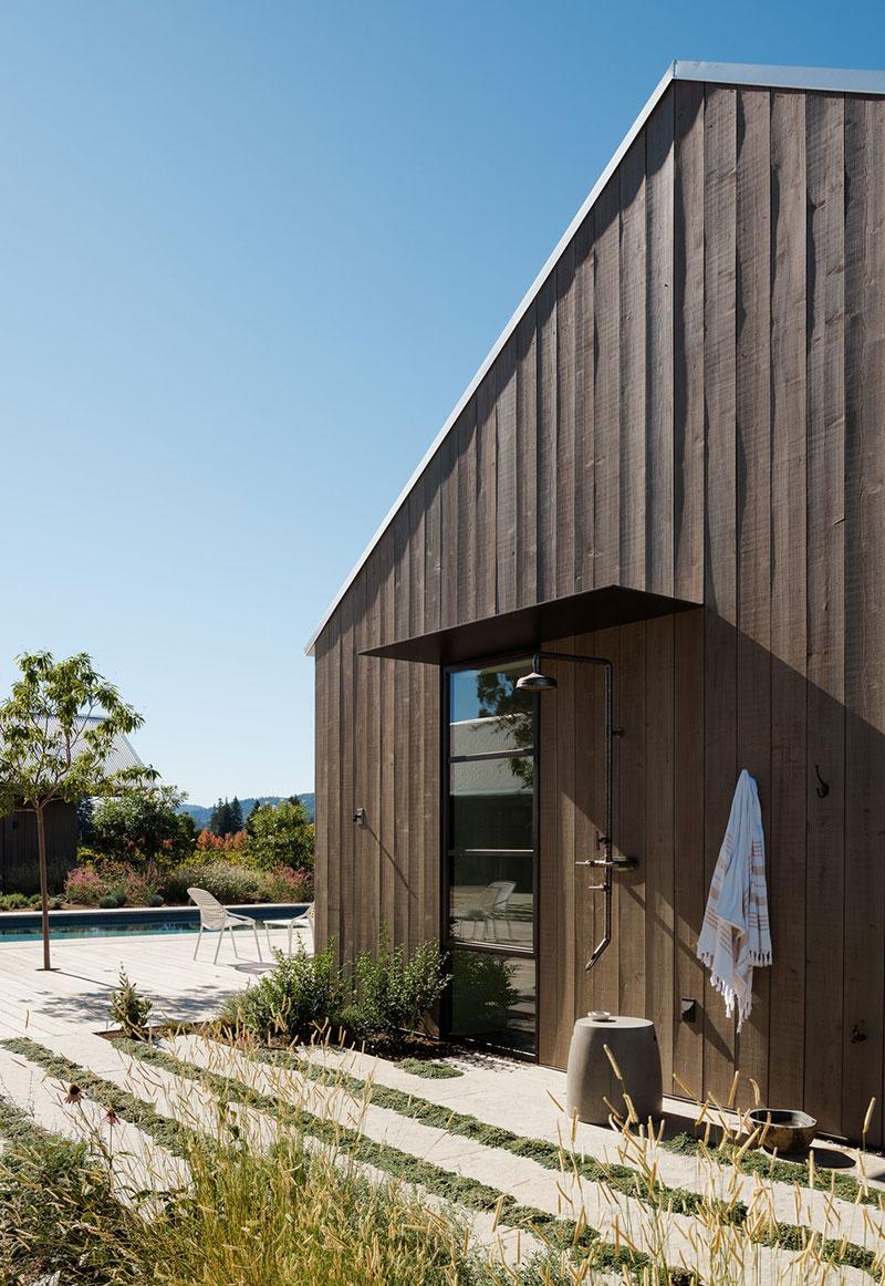 Впечатляющий дом посреди роскошных виноградников долины Напа в Калифорнии амбар,американский стиль,виноградник,загородный дом,интерьер и дизайн,кантри,ранчо,США