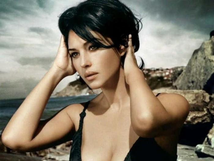 Жизнь как провокация: 16 горячих фотографий обворожительной Моники Беллуччи актриса,знаменитости,красота,Моника Беллуччи,фотография